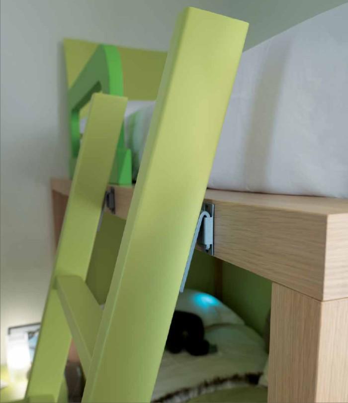 Letti a ponte: rovere chiaro e verde pastello