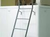 Dettaglio scaletta in posizione per salita