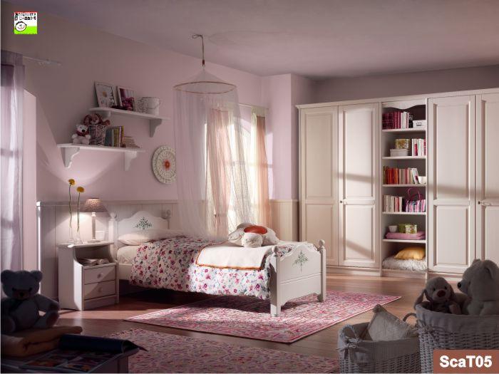 Cameretta romantica decorata in stile classico