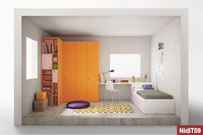 armadio ad angolo e lettino