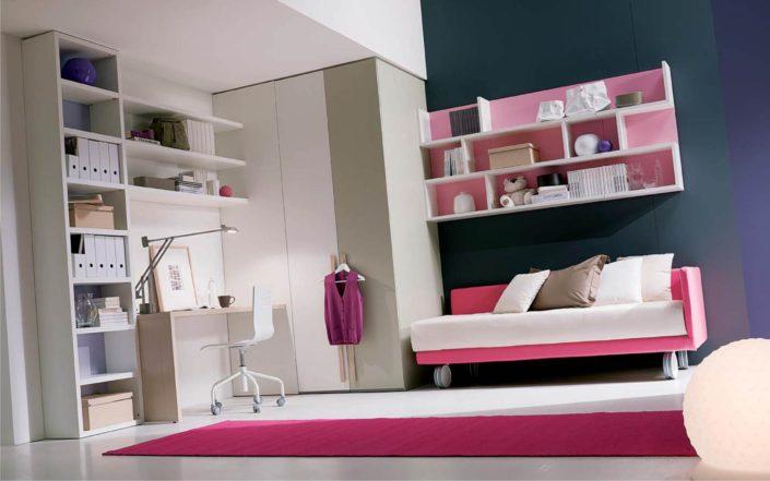 letto rosa a divano