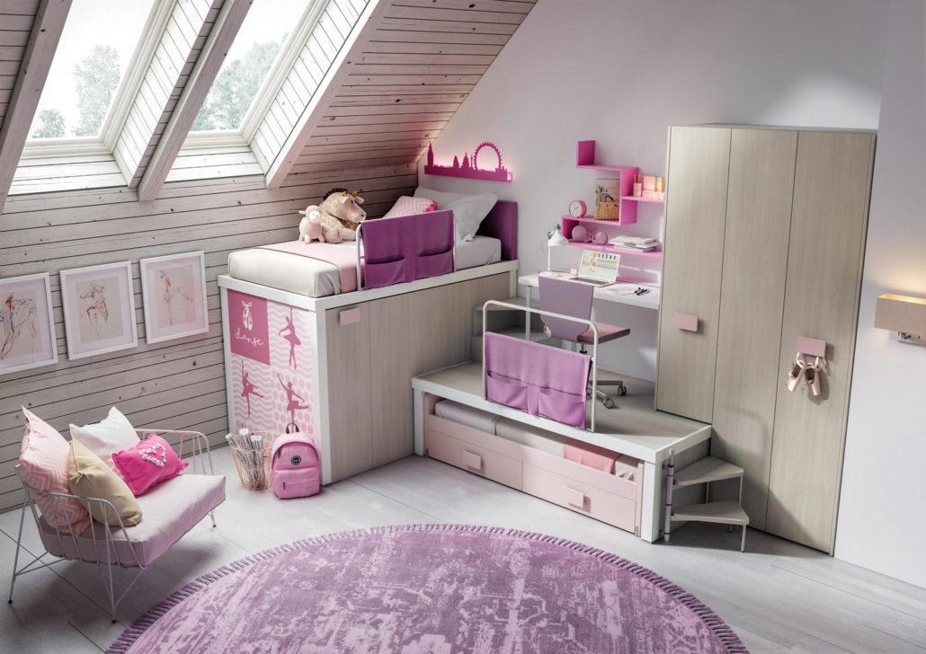 Camera a soppalco rosa con 2 letti