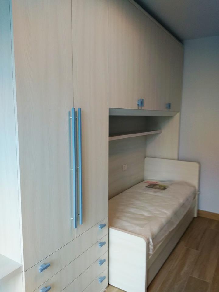 Risolvere una stanza stretta con la cameretta a ponte for Arredare cameretta stretta e lunga