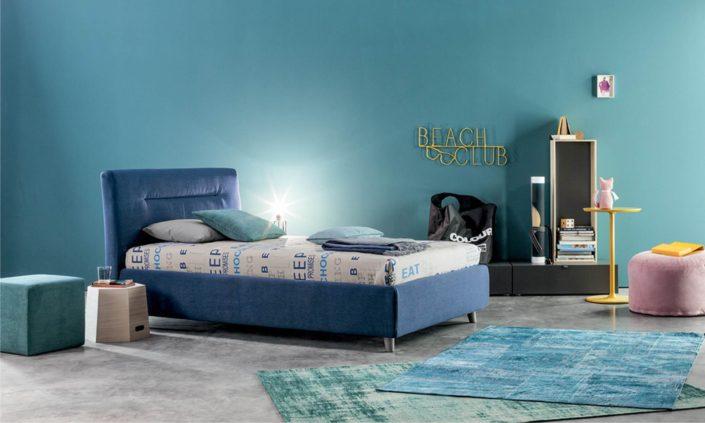 letto imbottito blu